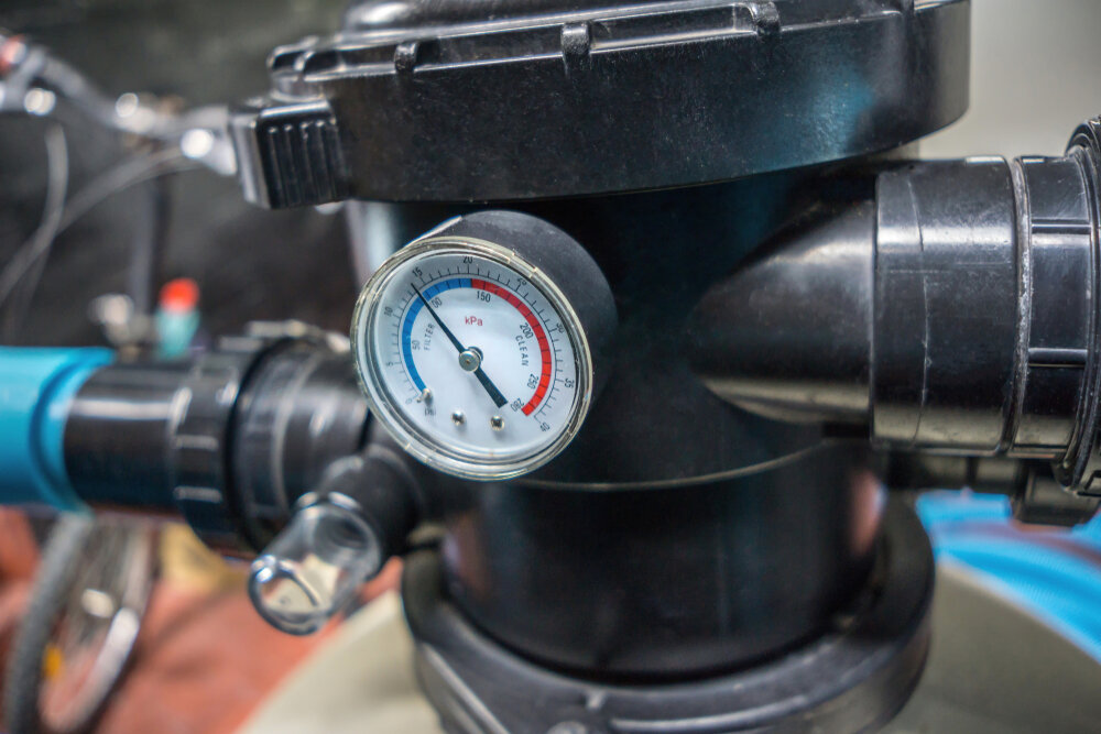 What should a pool filter pressure be