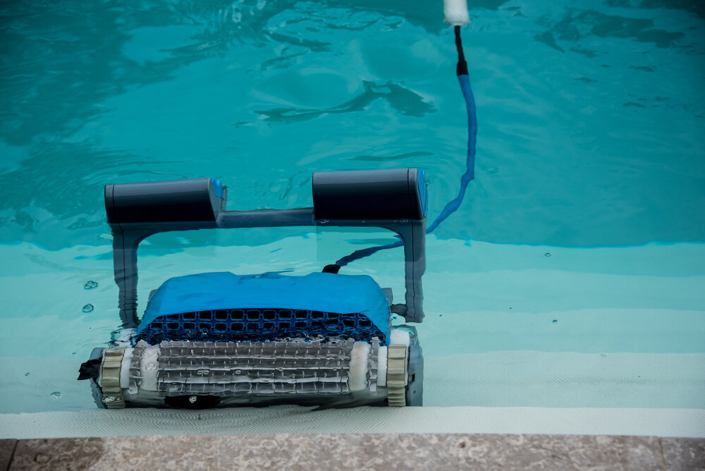 How Does A Robot Pool Vacuum Works